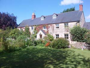 The Long House Bed & Breakfast, Cerney Wick near South Cerney